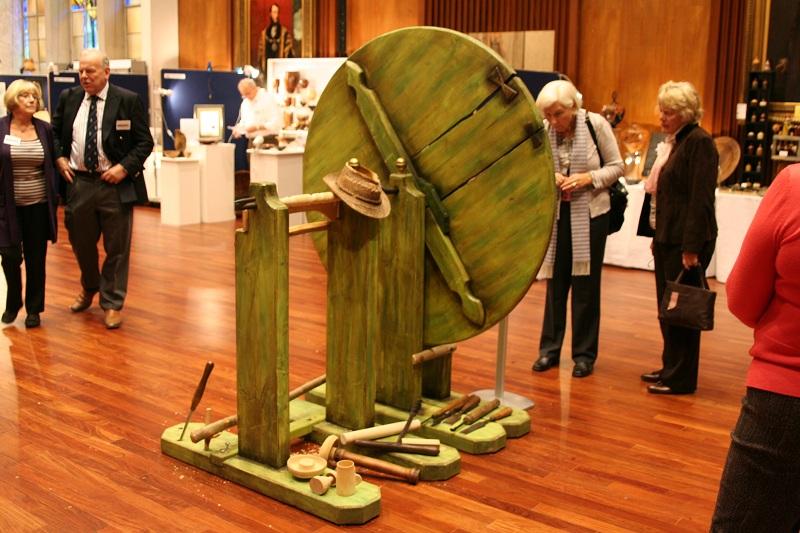 Leonardo Da Vinci's Automated Lathe Machine